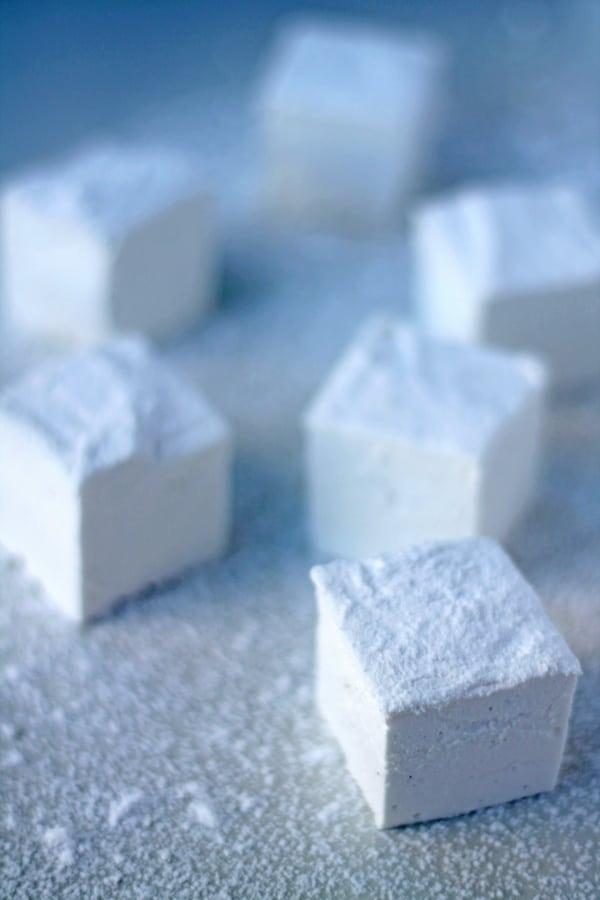 Homemade Vanilla Marshmallows | mylittlelarder.com