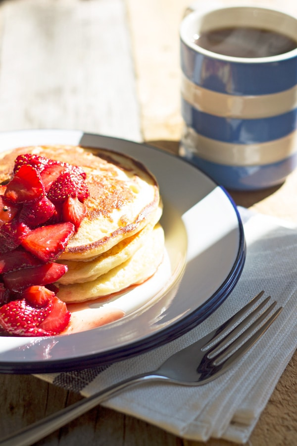 Fluffy Buttermilk Pancakes with Roasted Balsamic Strawberries | mylittlelarder.com