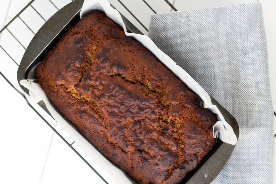 Banana, Coconut and Date Bread | mylittlelarlder.com