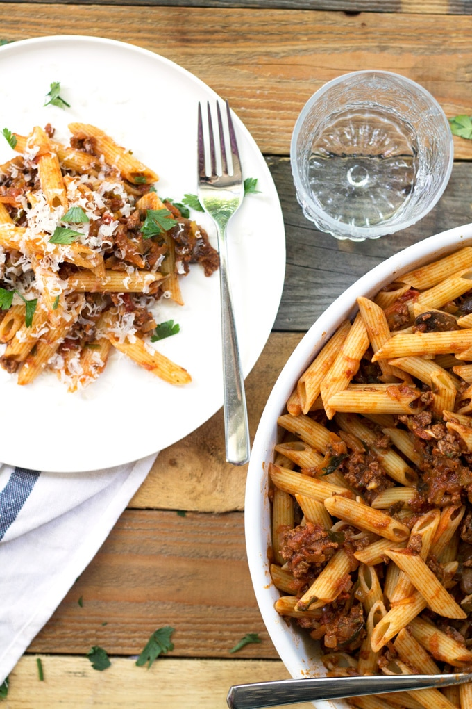 Quick Beef Bolognese with Penne Pasta | mylittlelarder.com