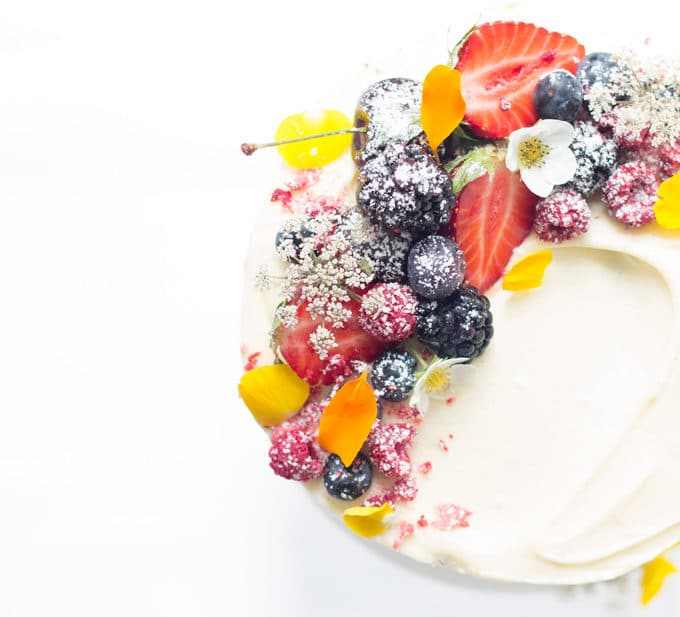 Naked Berry Cake with Vanilla Cream Cheese Frosting | mylittlelarder.com