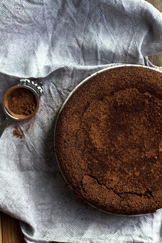 Chocolate Torta Caprese Cake | mylittlelarder.com