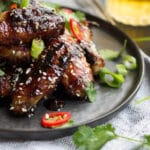 Sticky Soy Glazed Chicken Wings | mylittlelarder.com