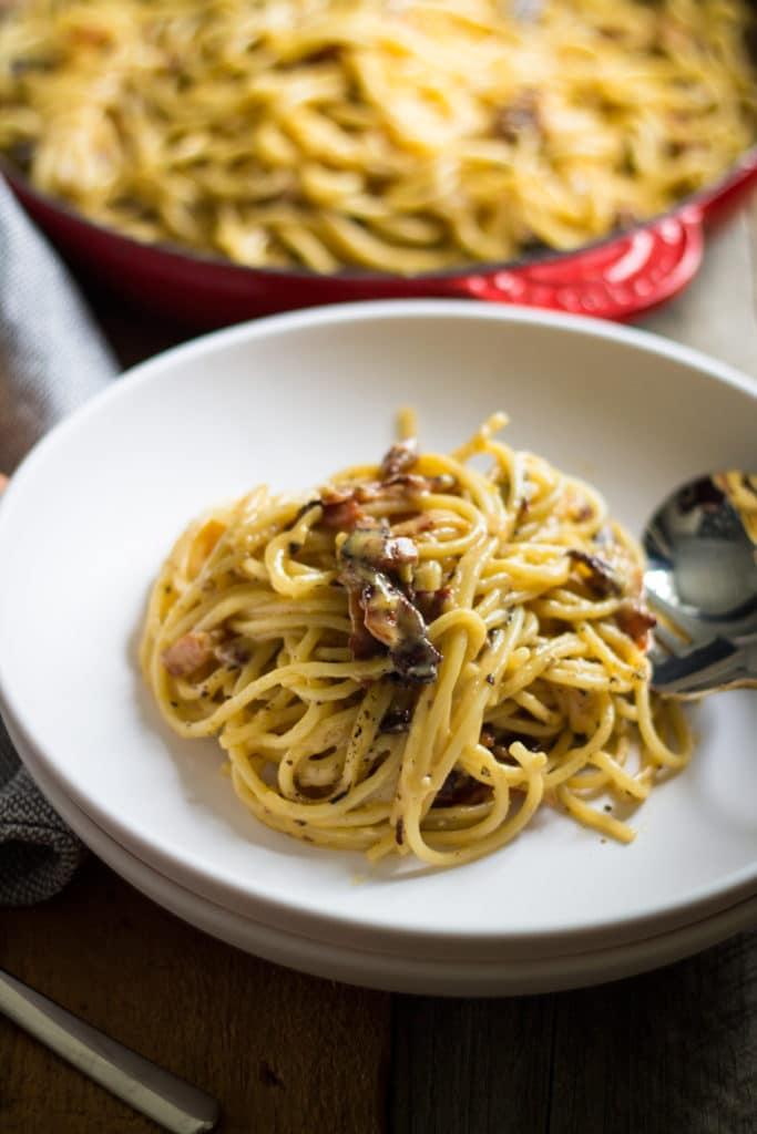 Spaghetti alla Carbonara con Aglio | mylittlelarder.com