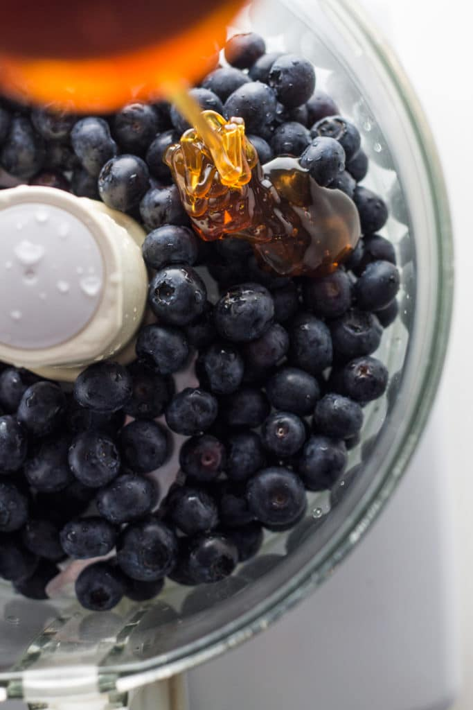 Blueberry Popsicles | mylittlelarder.com