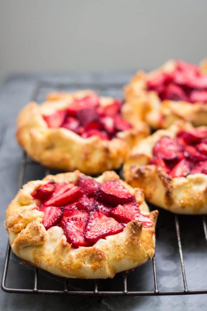 Strawberry and Basil Galette | mylittlelarder.com