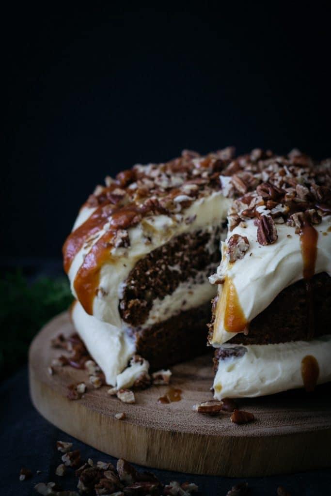 Carrot and Pecan Cake | mylittlelarder.com